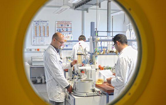 Umschulung zum/zur Chemielaborant/-in
